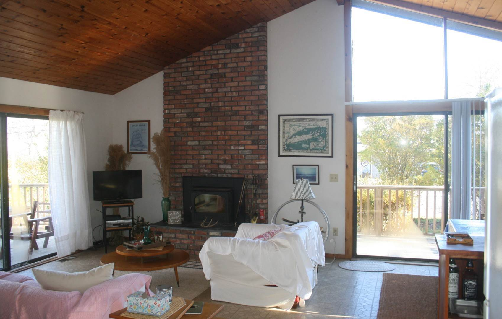 4. Single Family Home at Montauk Culloden Beach House Montauk, NY 11954