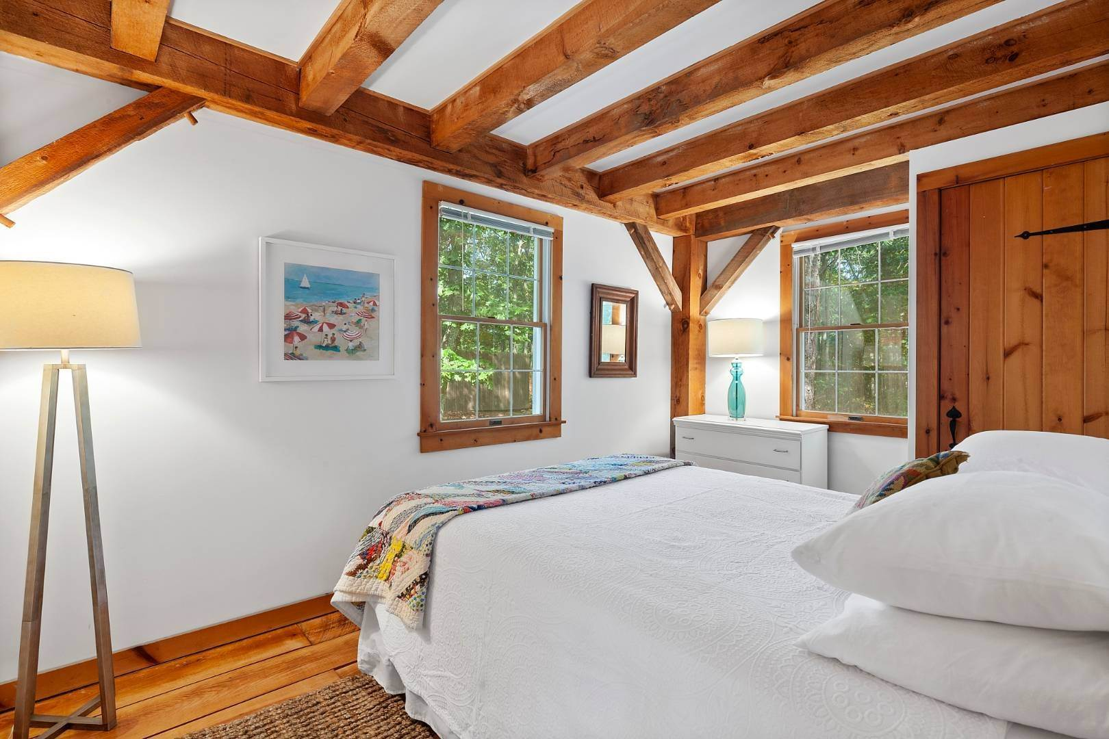 7. Single Family Home at Lovely Post-And-Beam Rental Wainscott, NY 11975