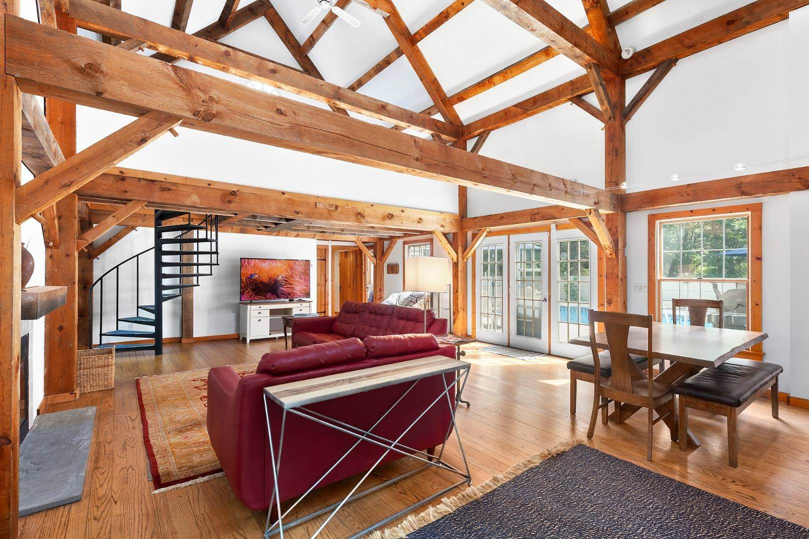 2. Single Family Home at Lovely Post-And-Beam Rental Wainscott, NY 11975