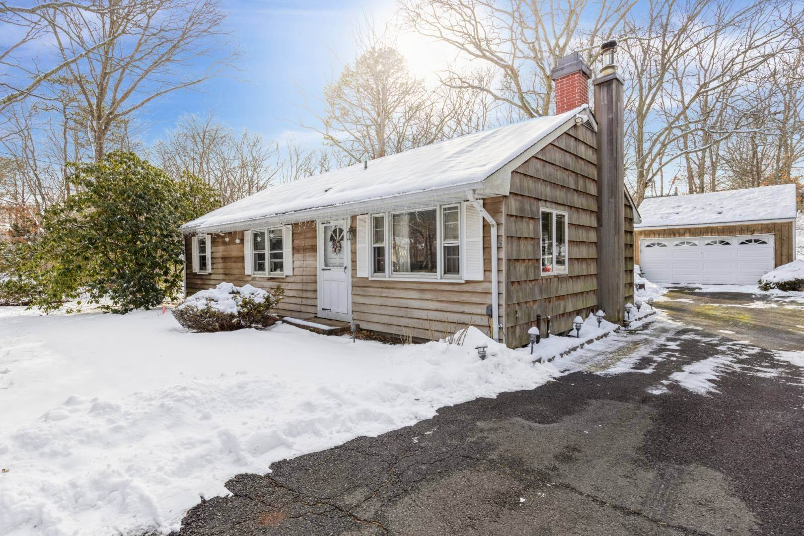 Single Family Home for Sale at Open Floor Plan In Hampton Bays! 45 Washington Heights Ave, Hampton Bays, NY 11946