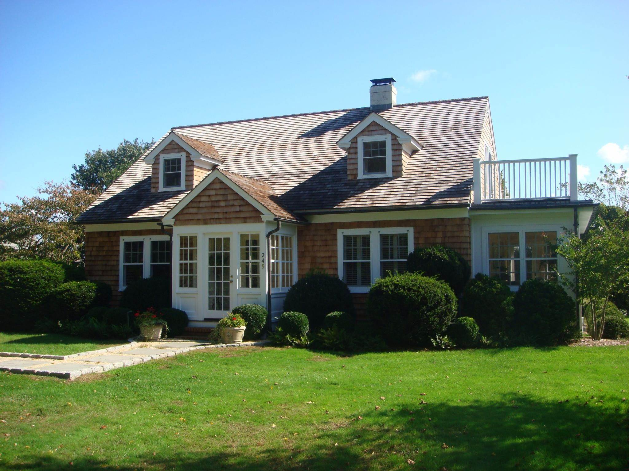 Single Family Home at Charming In The Village South Bridgehampton, NY 11932