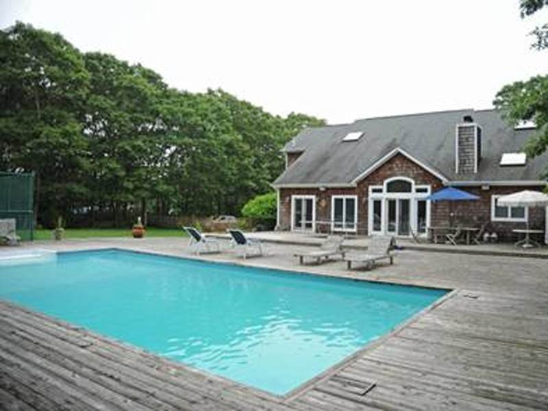 Single Family Home at Southampton 5 Bedroom With Tennis Southampton, NY 11968