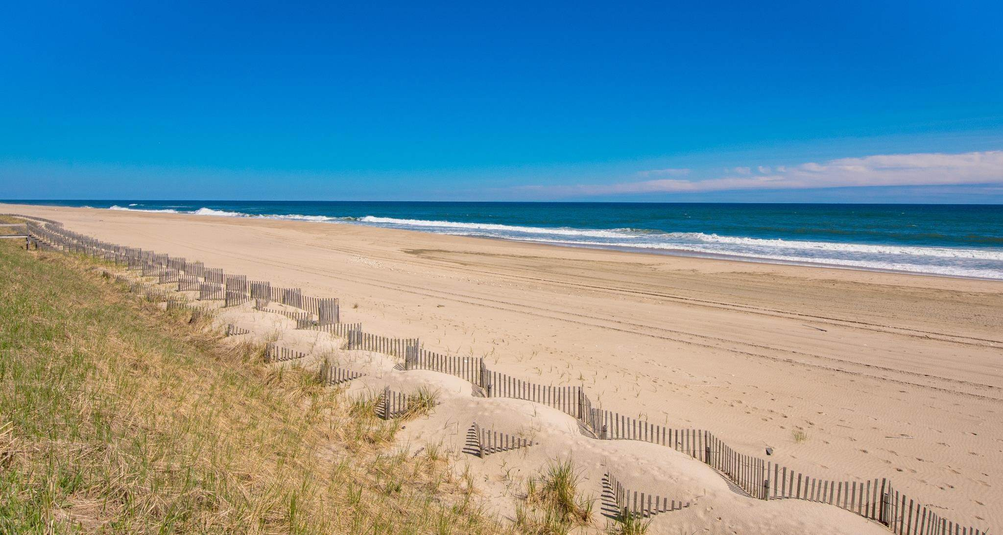 17. Single Family Home at Famous Fashion Designer's Private Oceanfront Retreat 135 Crestview Lane, Sagaponack Village, NY 11962