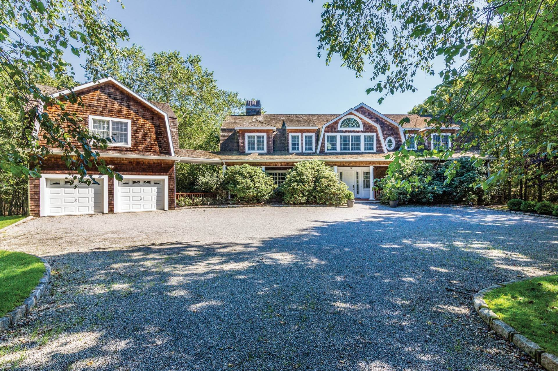 Single Family Home at Luxury Rental In Water Mill Southampton, NY 11968