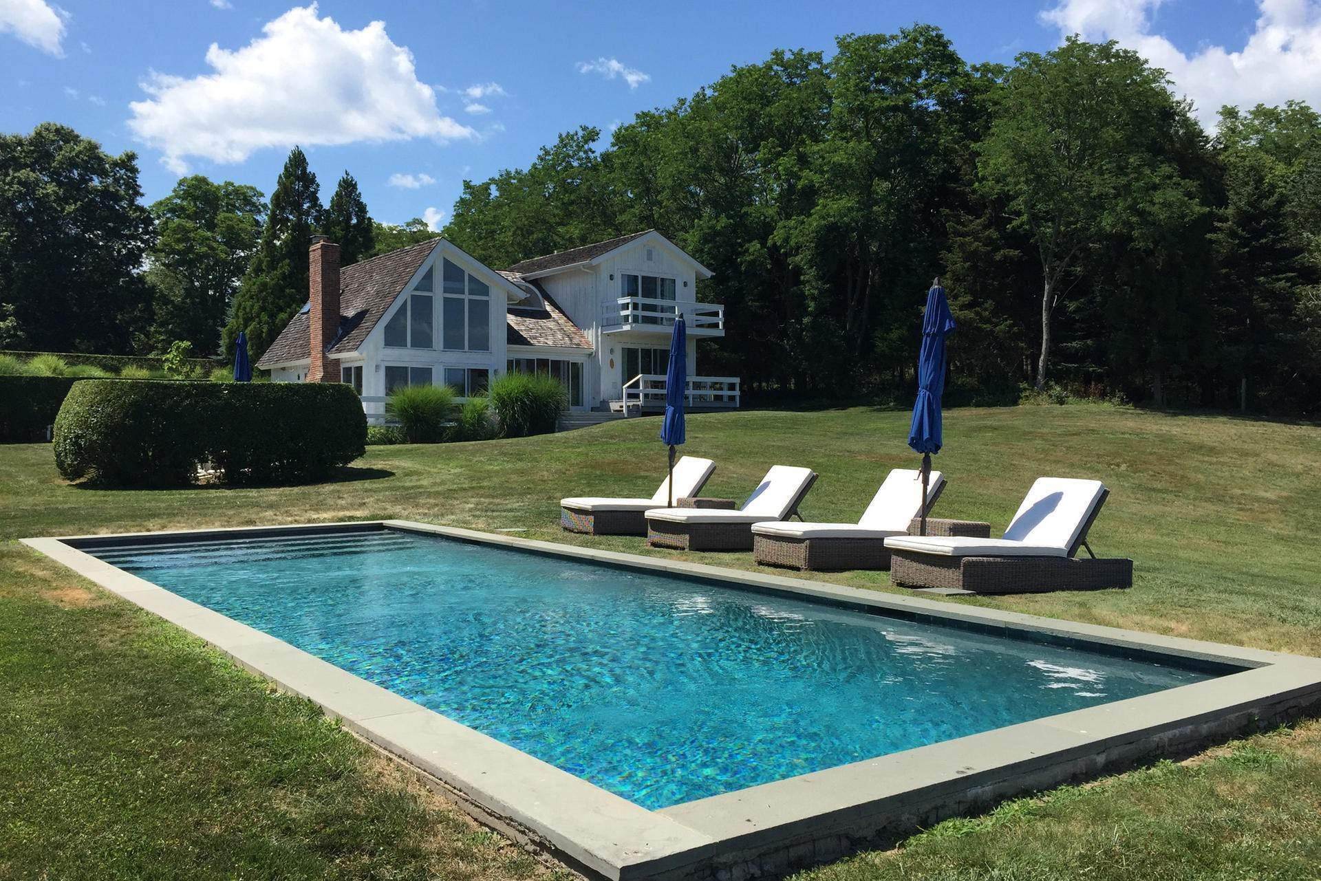 Single Family Home at Fabulous Shelter Island Waterview With Pool Shelter Island Heights, NY 11964
