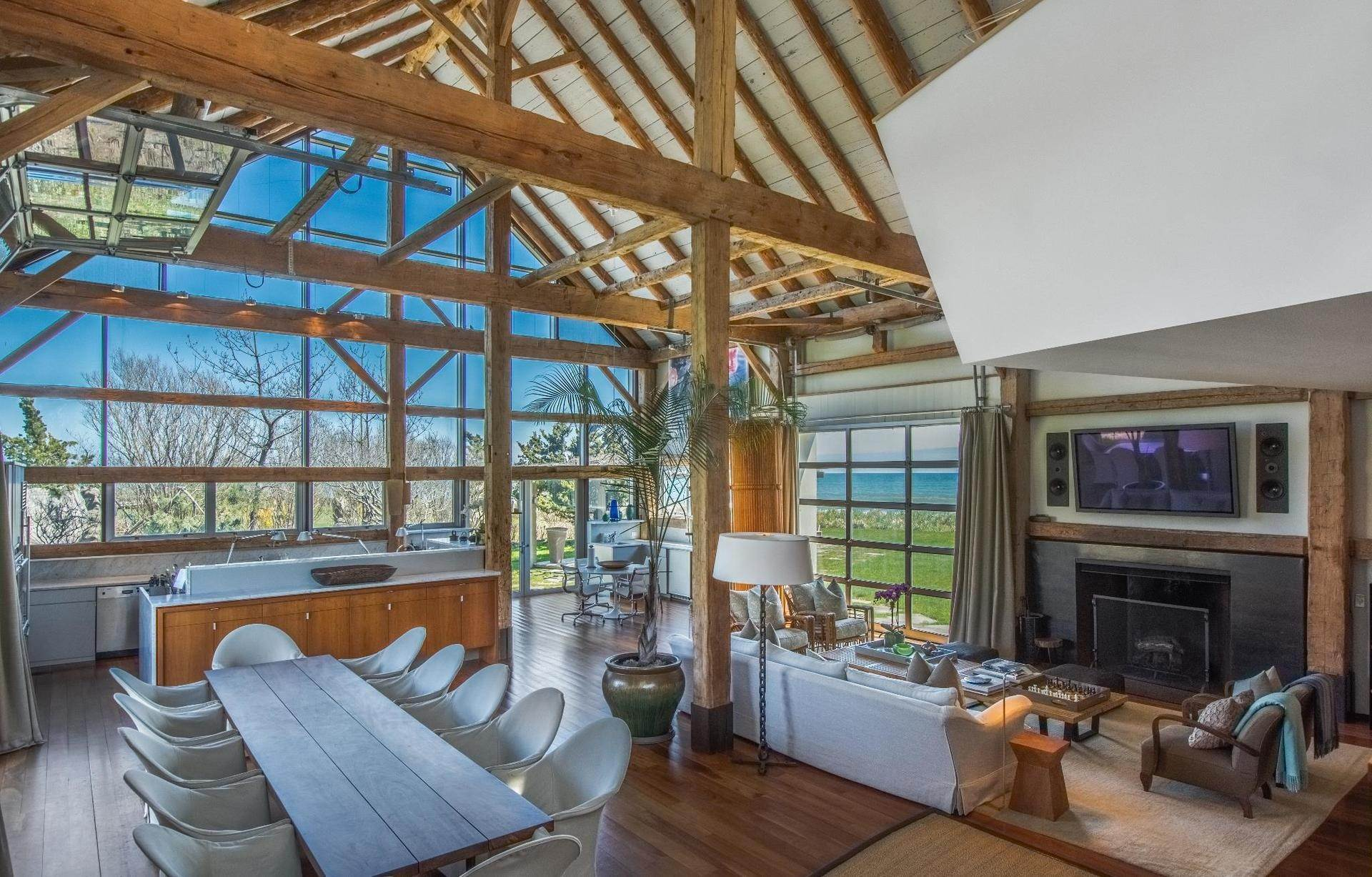 6. Single Family Home at Famous Fashion Designer's Private Oceanfront Retreat 135 Crestview Lane, Sagaponack Village, NY 11962