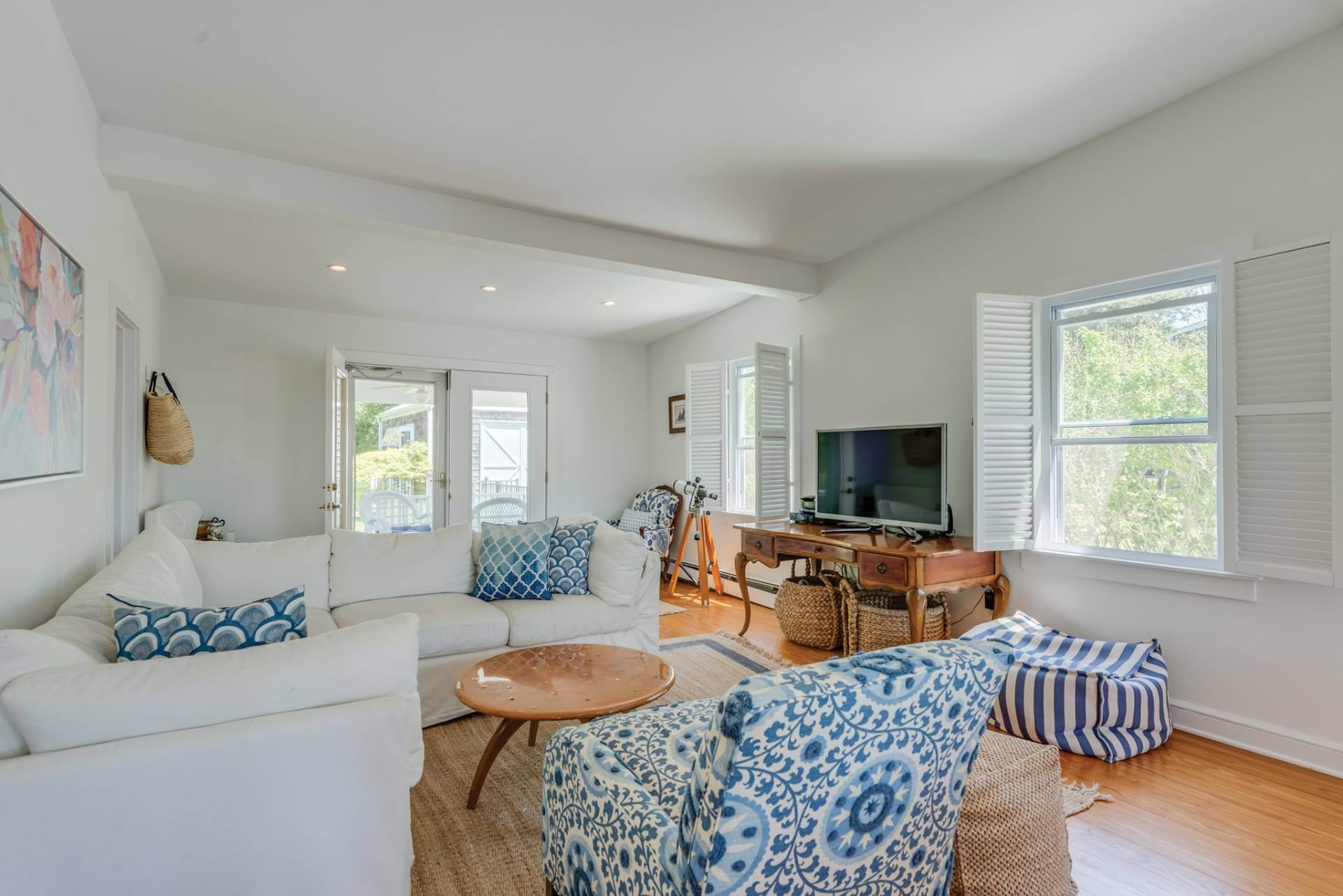 3. Single Family Home at Farmhouse Steps To Prestigious Golf Course Southampton, NY 11968