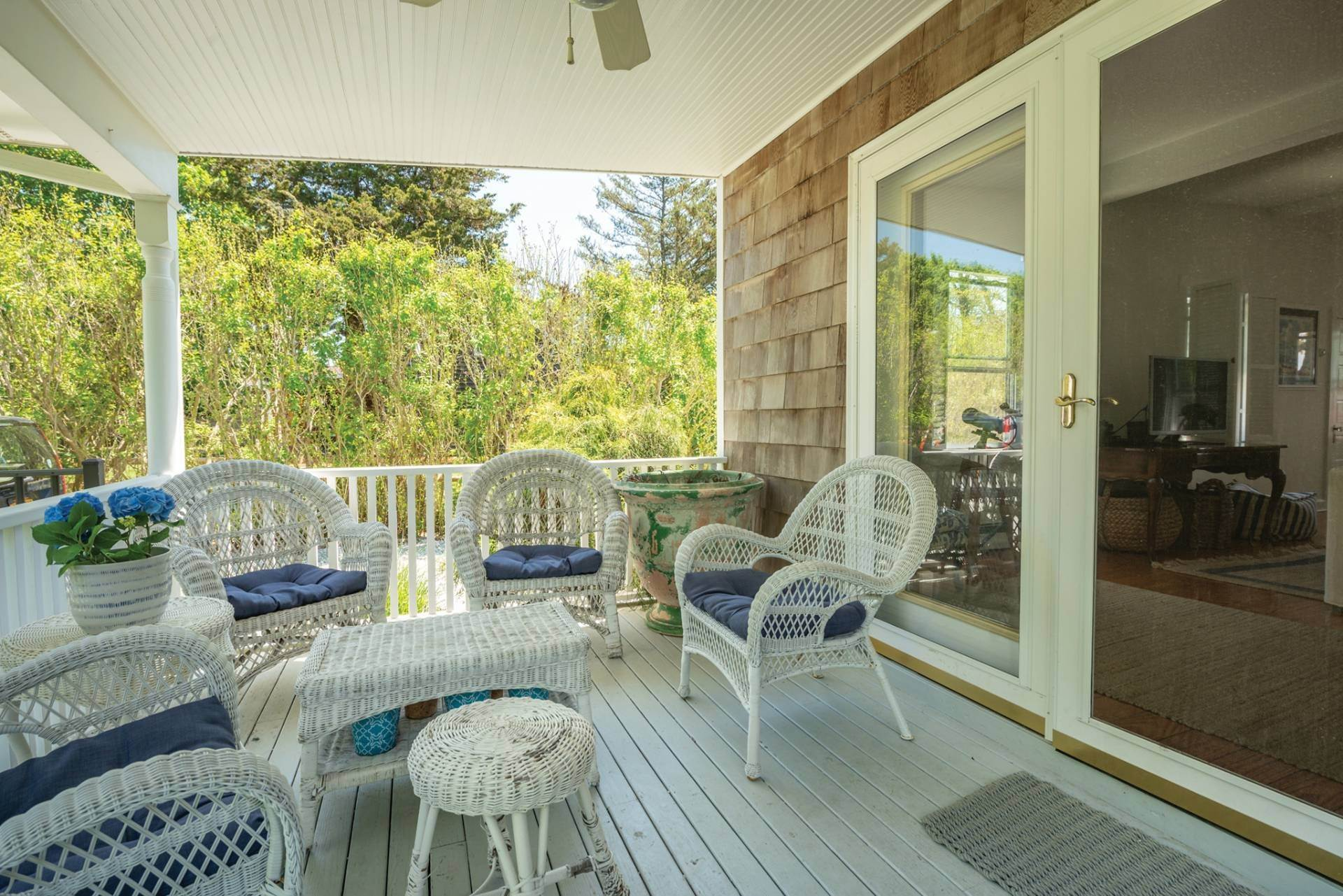 2. Single Family Home at Farmhouse Steps To Prestigious Golf Course Southampton, NY 11968