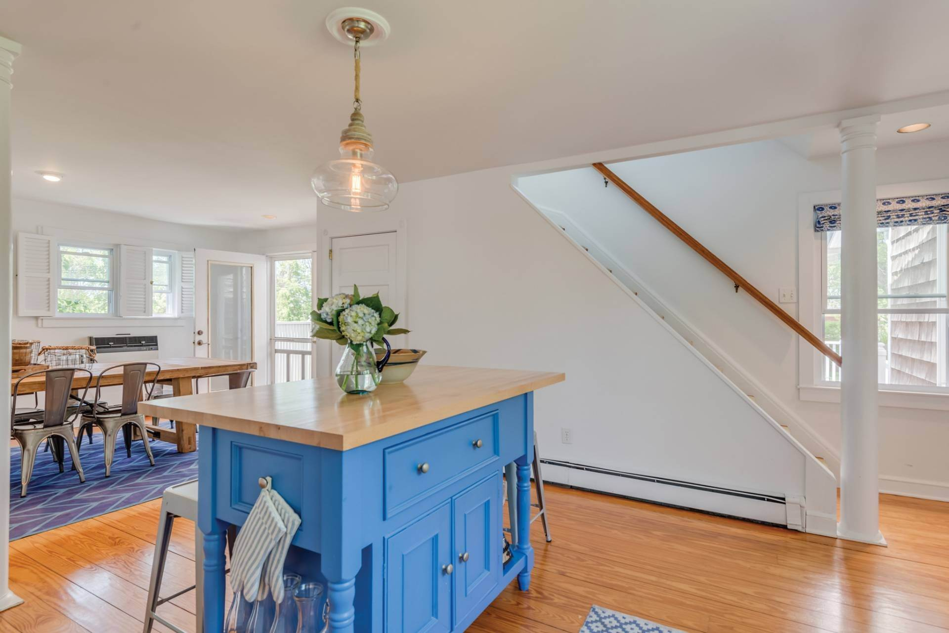 8. Single Family Home at Farmhouse Steps To Prestigious Golf Course Southampton, NY 11968
