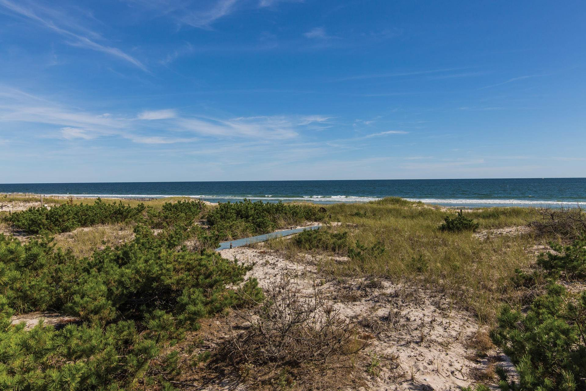 3. Single Family Home at Gorgeous Oceanfront With Row To Bay Westhampton, NY 11976