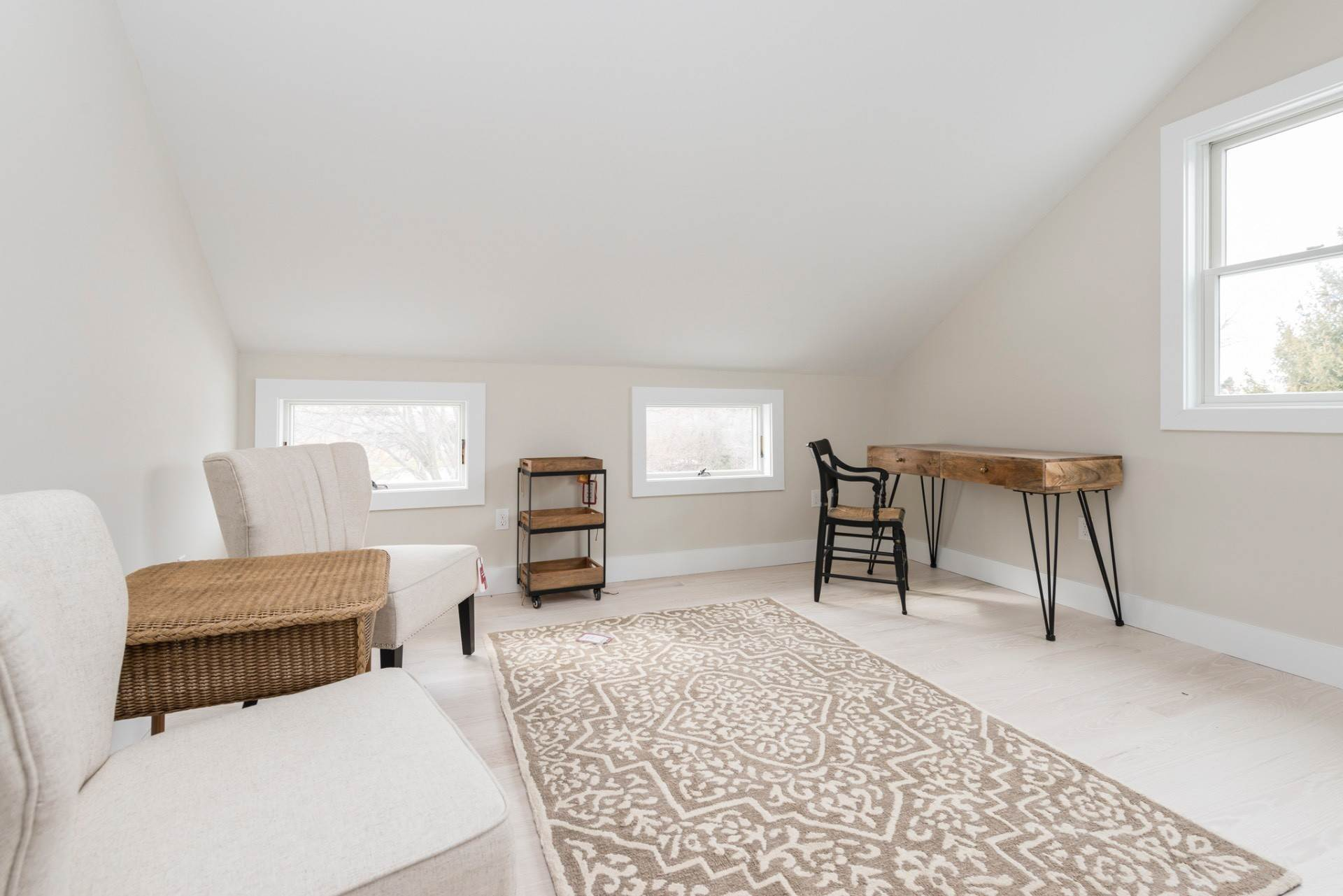 12. Single Family Home at New Sagaponack Modern Farmhouse On Reserve Sagaponack Village, NY 11962