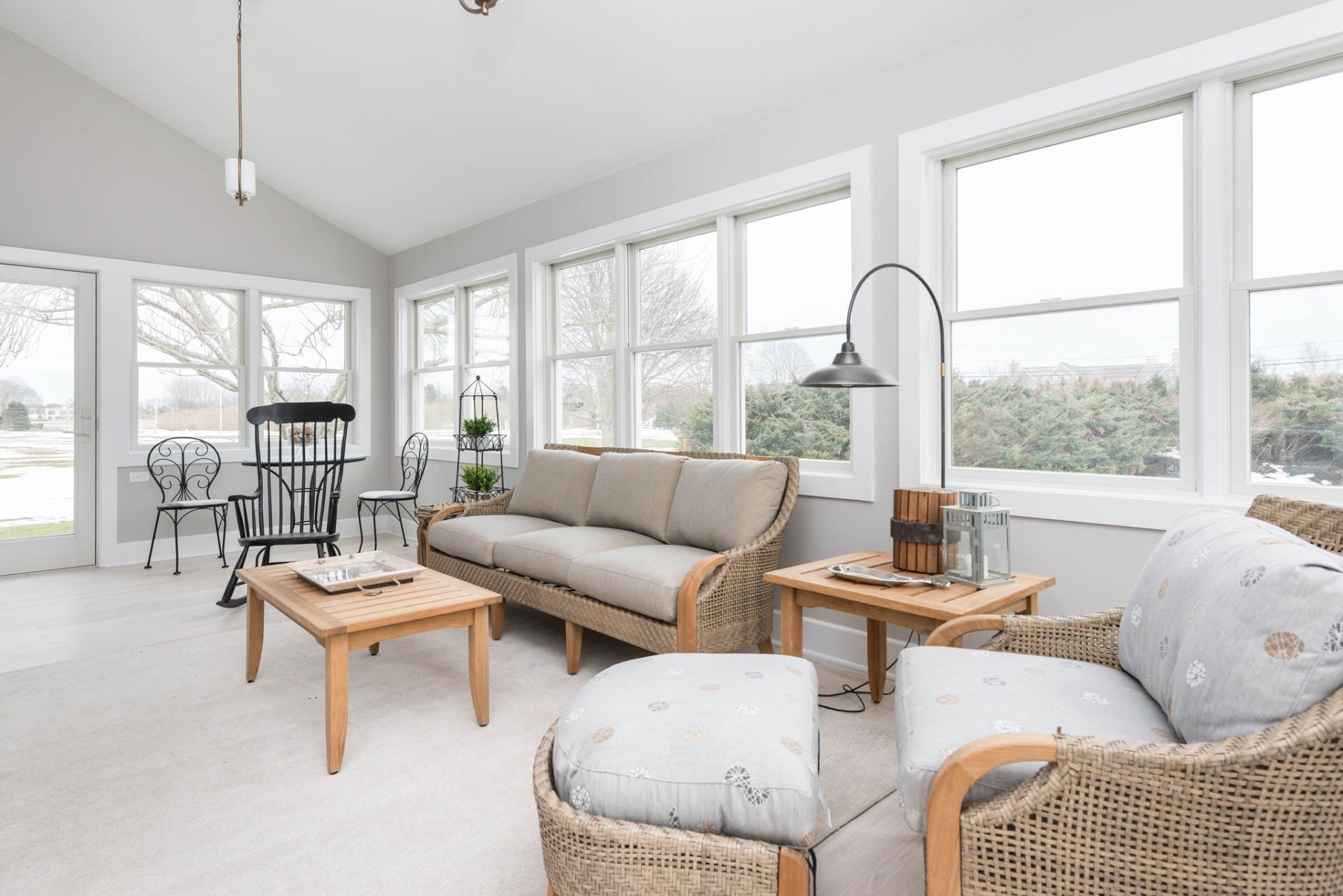 5. Single Family Home at New Sagaponack Modern Farmhouse On Reserve Sagaponack Village, NY 11962