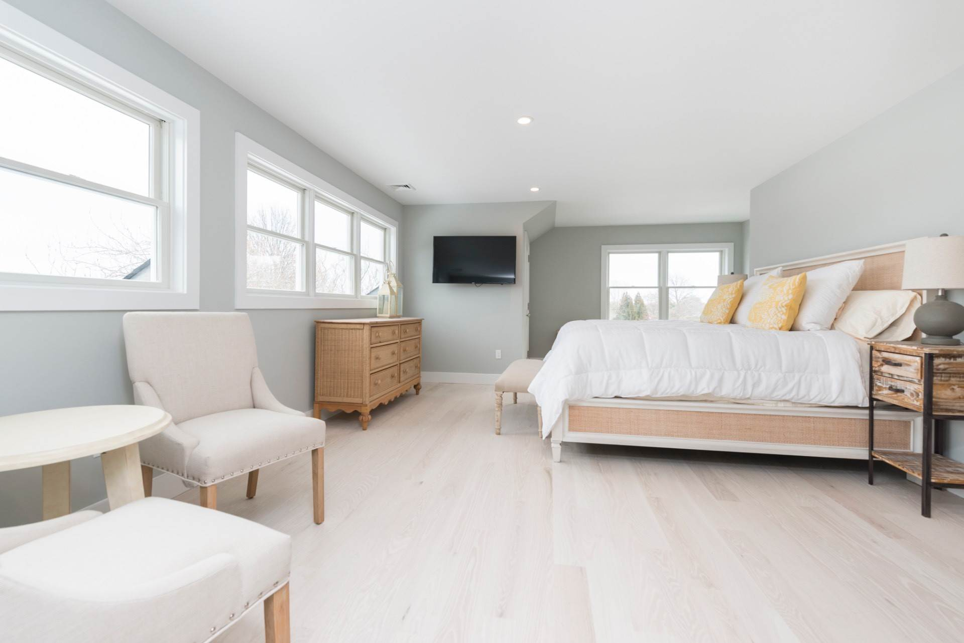 11. Single Family Home at New Sagaponack Modern Farmhouse On Reserve Sagaponack Village, NY 11962
