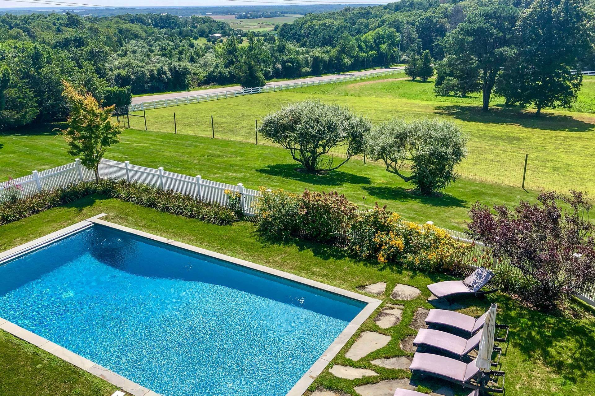 2. Single Family Home at Sunset Retreat In Water Mill 90 Lopers Path, Bridgehampton, NY 11976