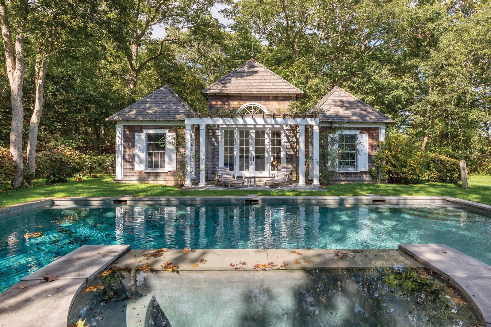 23. Single Family Home at East Hampton Classic With Pool And Privacy East Hampton, NY 11937