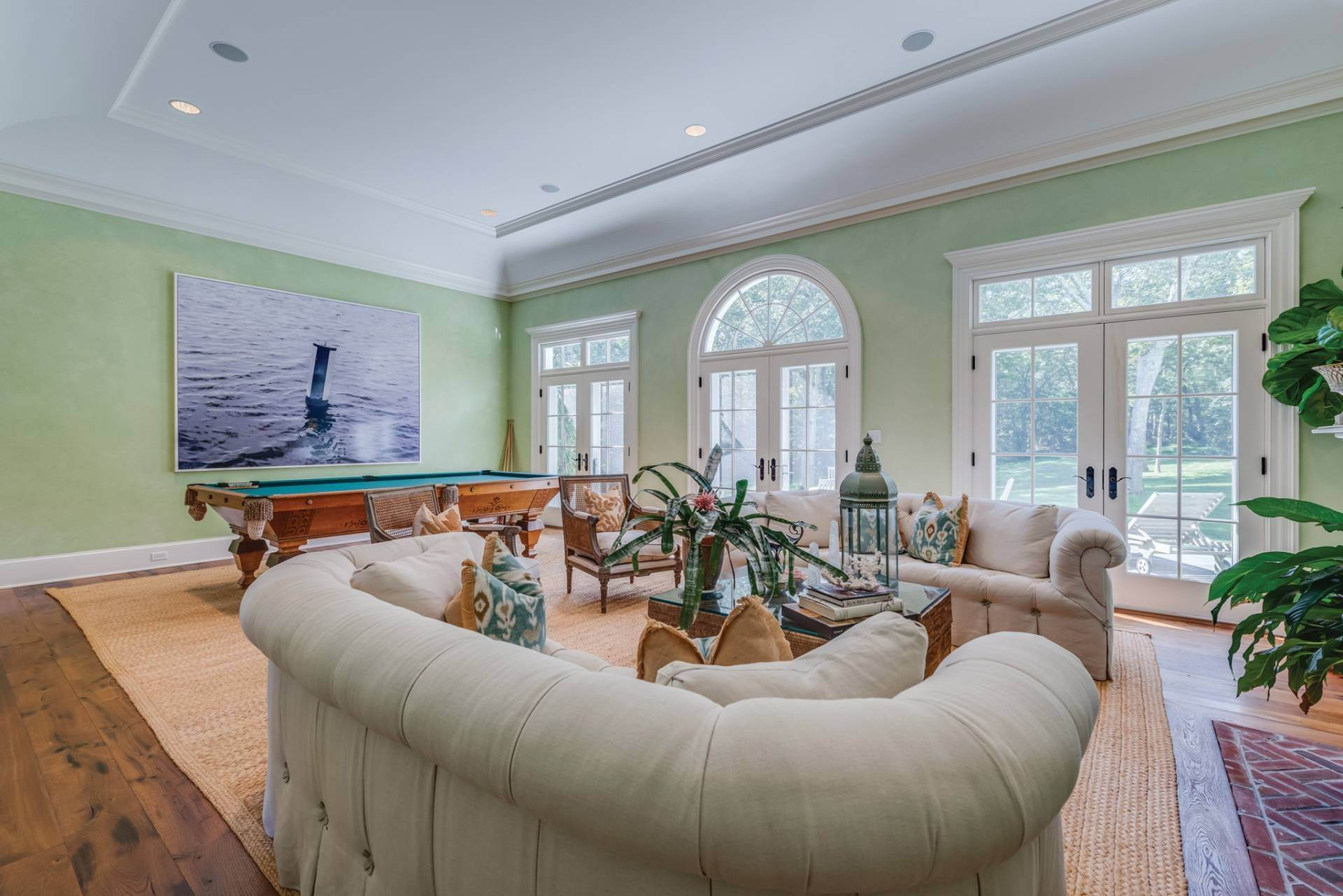 6. Single Family Home at East Hampton Classic With Pool And Privacy East Hampton, NY 11937