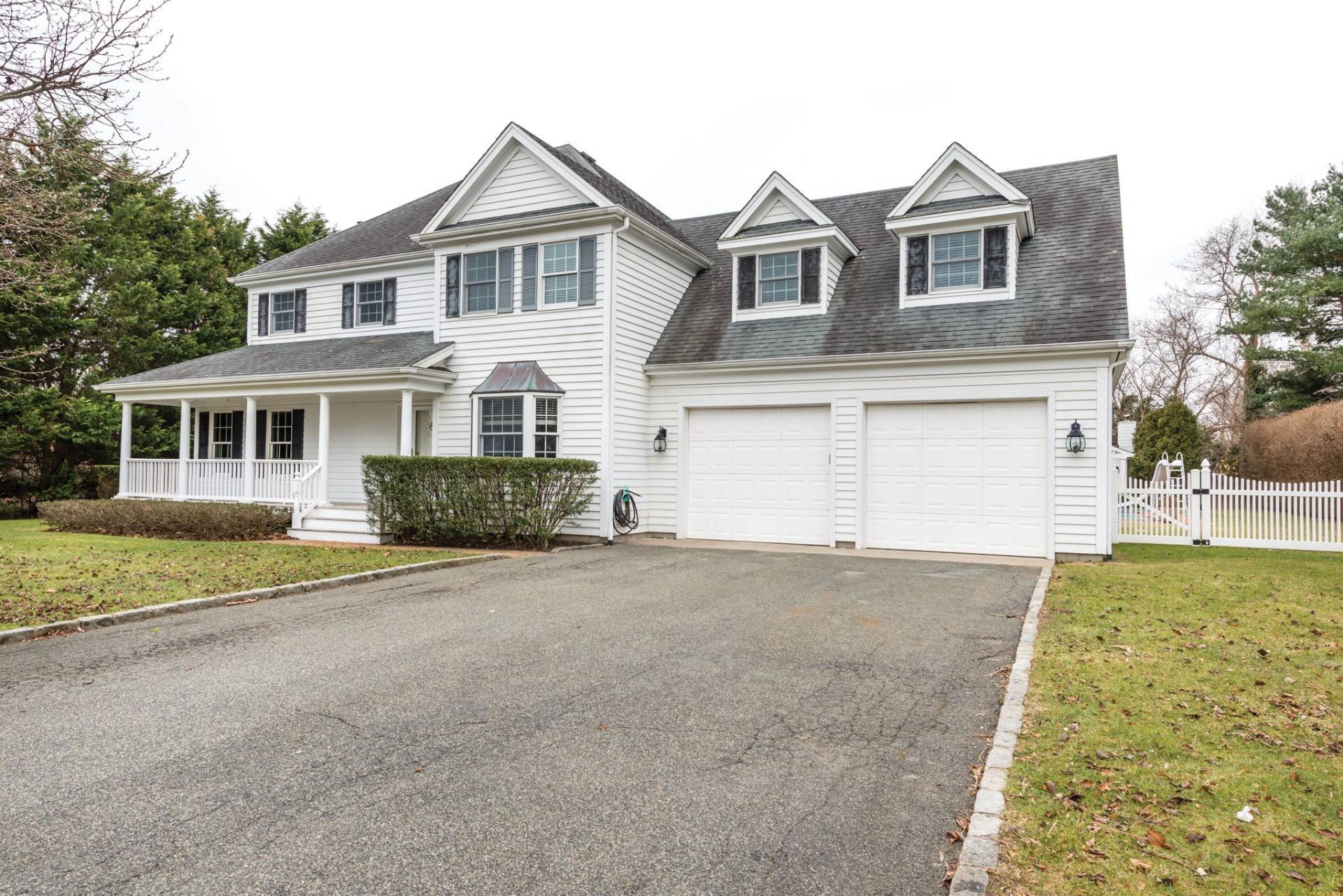2. Single Family Home at Private & Newly Renovated In Southampton Village Southampton, NY 11968