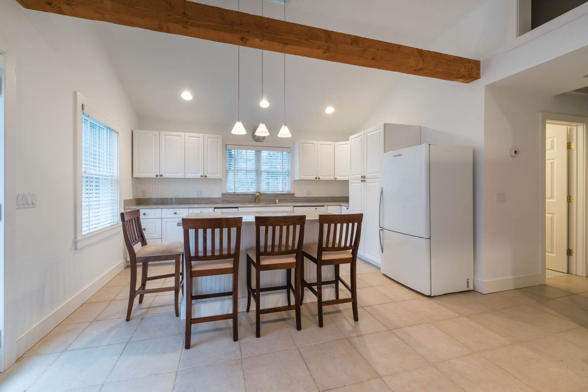 19. Single Family Home at Private & Newly Renovated In Southampton Village Southampton, NY 11968
