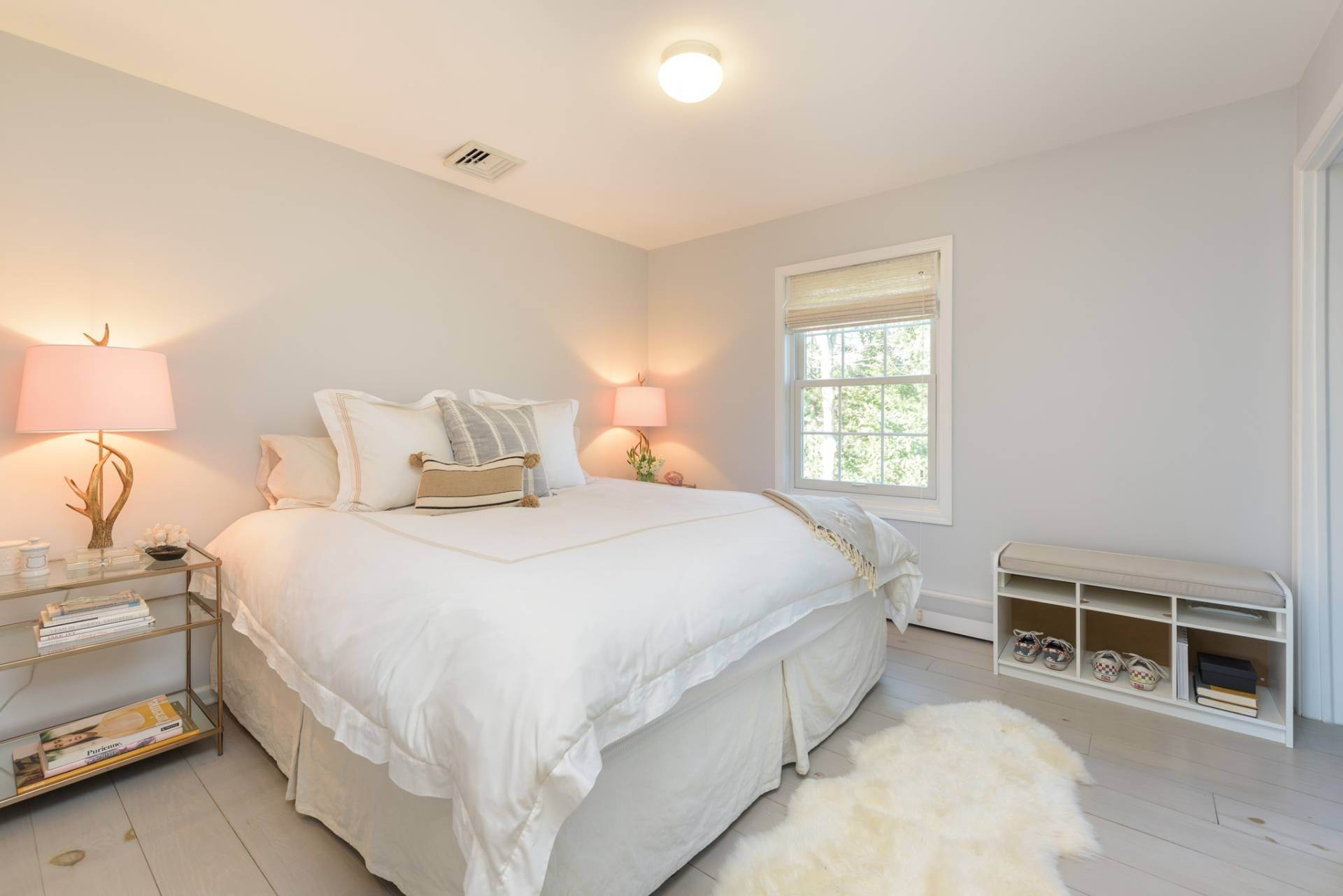 14. Single Family Home at Designer Renovated In Springs 62 Clinton Street, East Hampton, NY 11937