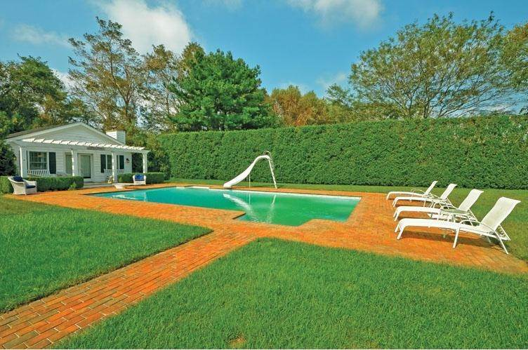 24. Single Family Home at Private & Newly Renovated In Southampton Village Southampton, NY 11968