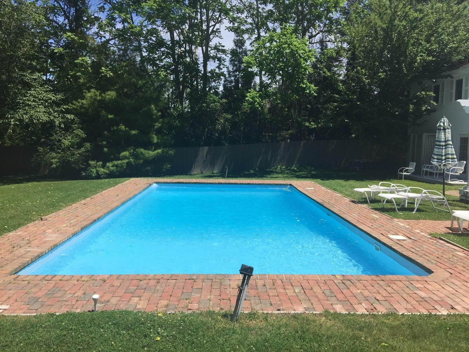 14. Single Family Home at East Hampton Village Rental With Privacy East Hampton, NY 11937