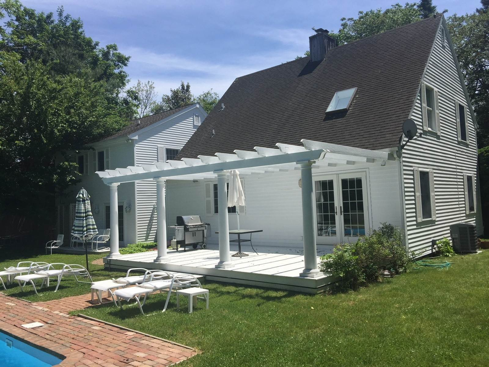 2. Single Family Home at East Hampton Village Rental With Privacy East Hampton, NY 11937