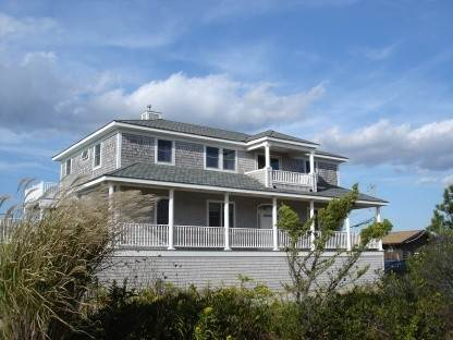 Single Family Home at Westhampton Beach - Summer Rental With Pool- Dune Road Westhampton Dunes Village, NY 11978