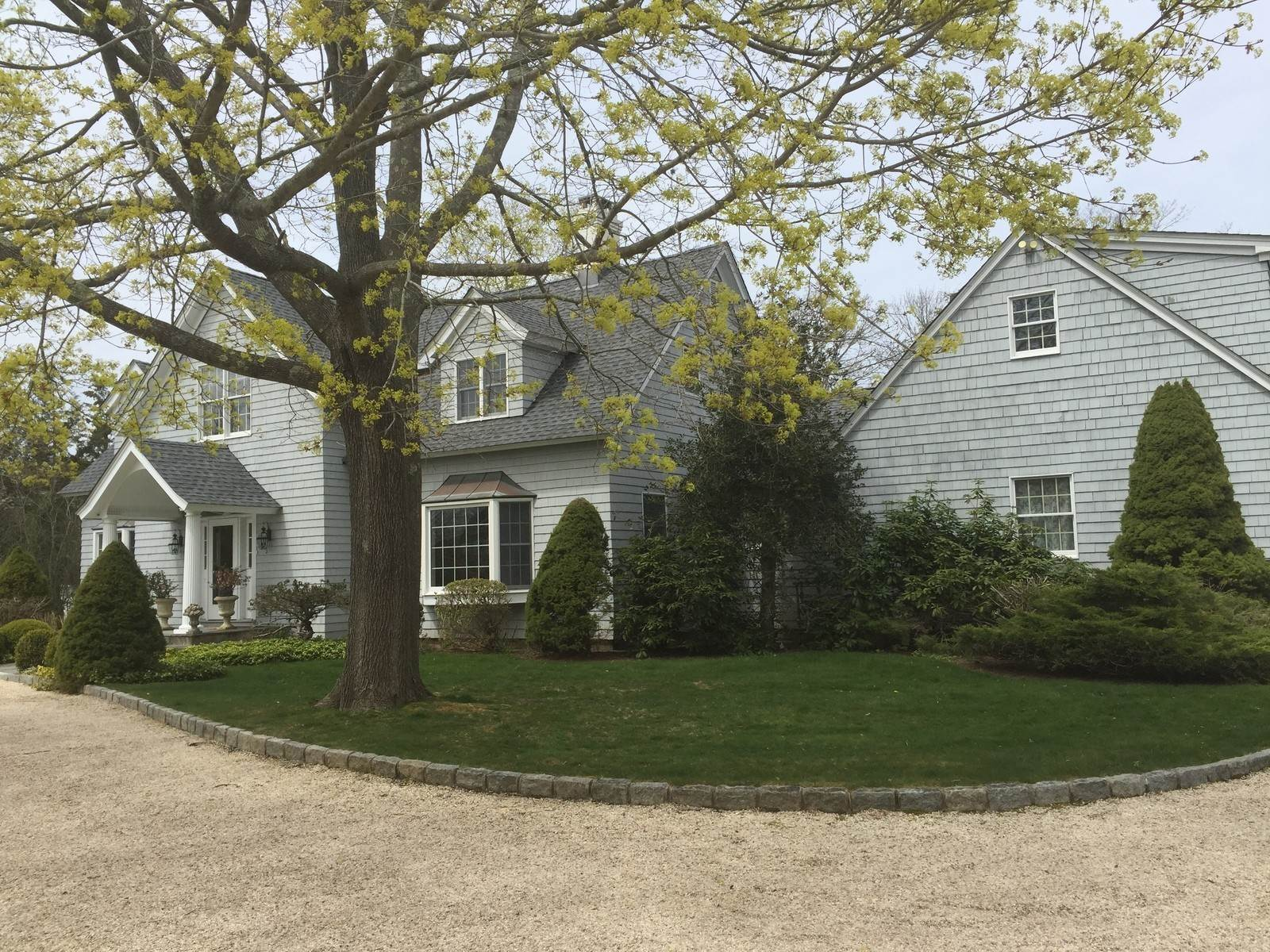 Single Family Home at Southampton Village Post Modern Close To Ocean Beaches Southampton, NY 11968