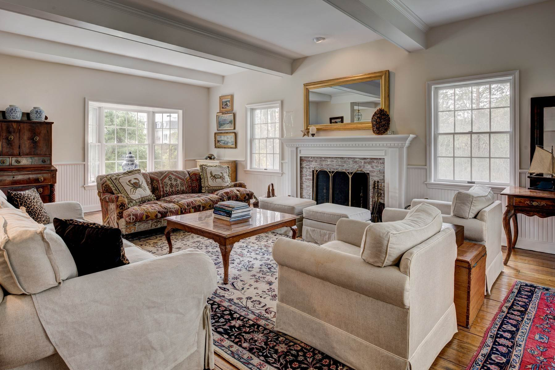 3. Single Family Home at Southampton Village Post Modern Close To Ocean Beaches Southampton, NY 11968