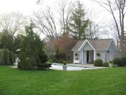 10. Single Family Home at Southampton Village Post Modern Close To Ocean Beaches Southampton, NY 11968