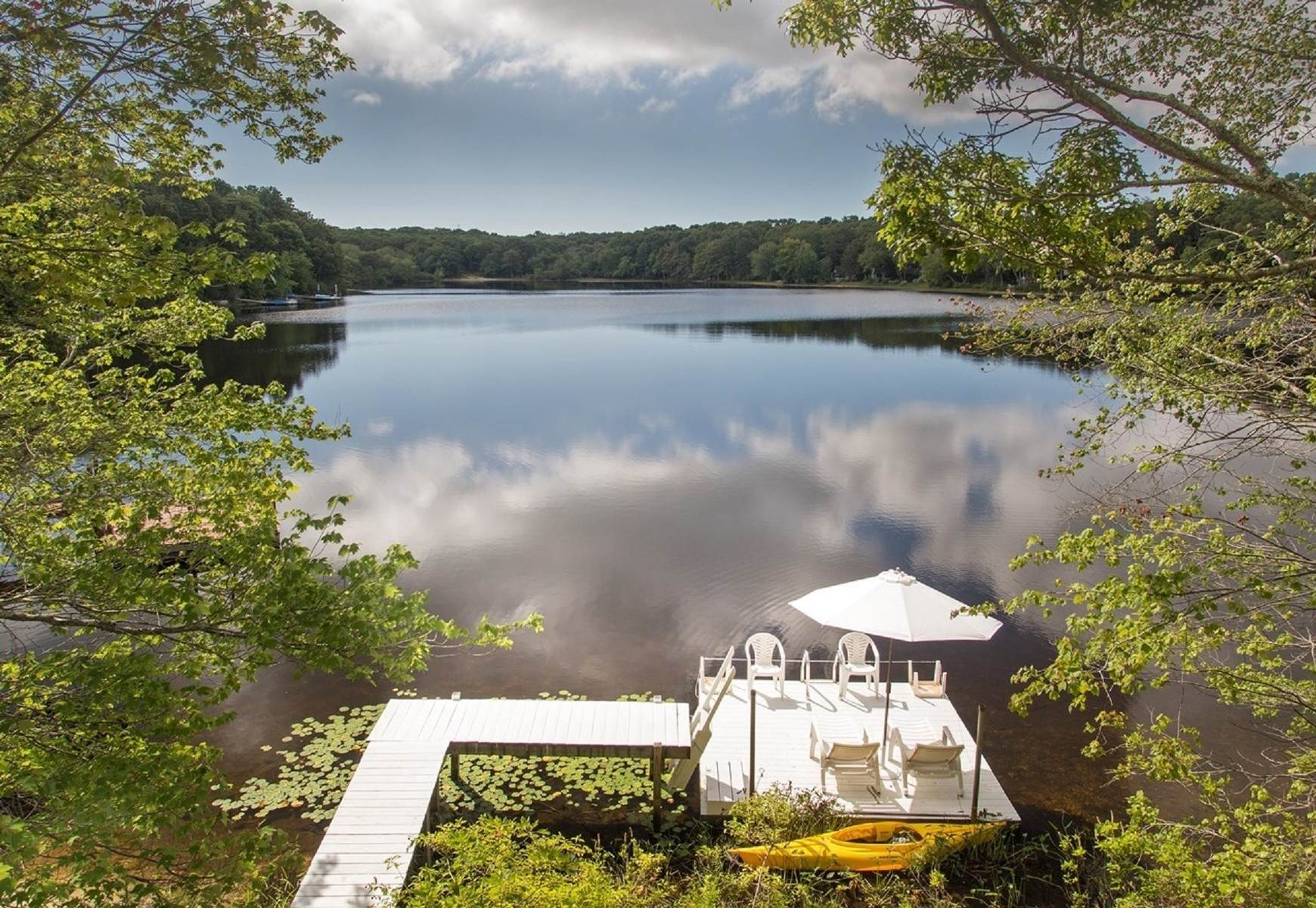 Single Family Home at Southampton Pondfront Paradise Southampton, NY 11968