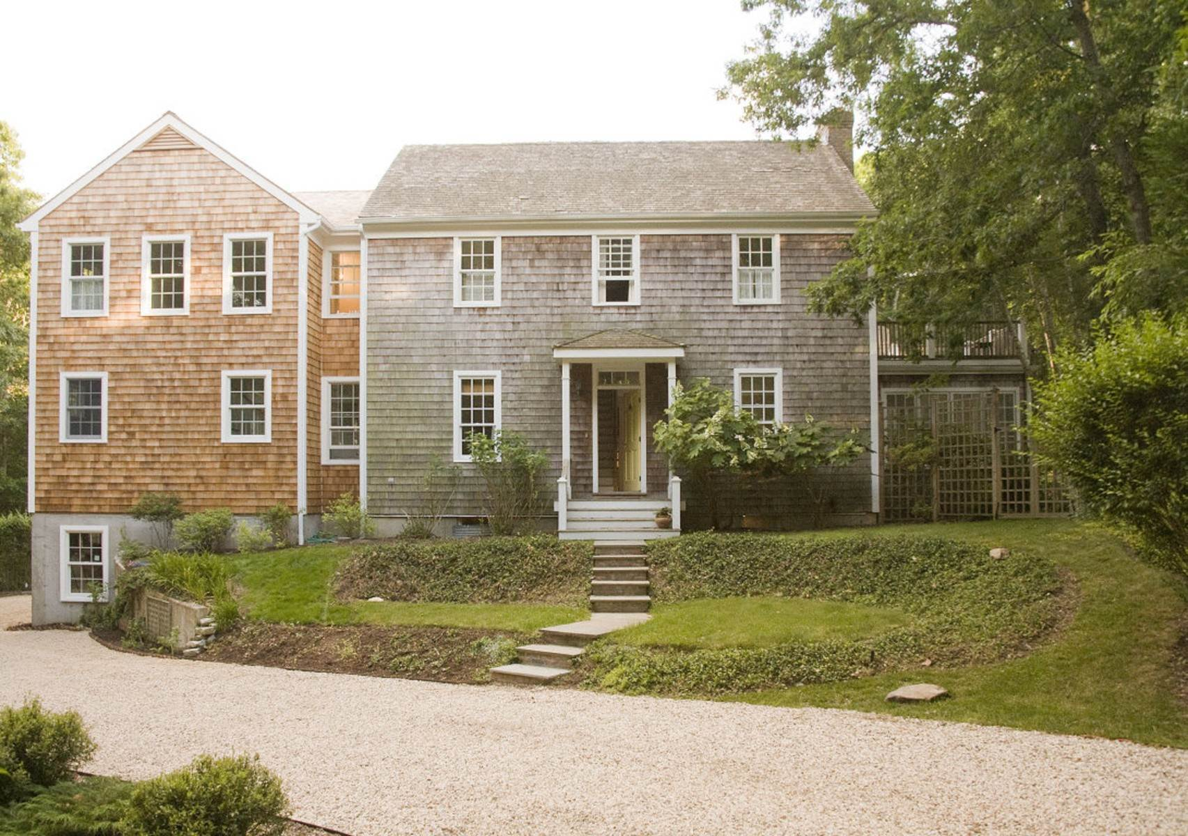Single Family Home at Great Bridgehampton Neighborhood Bridgehampton, NY 11932