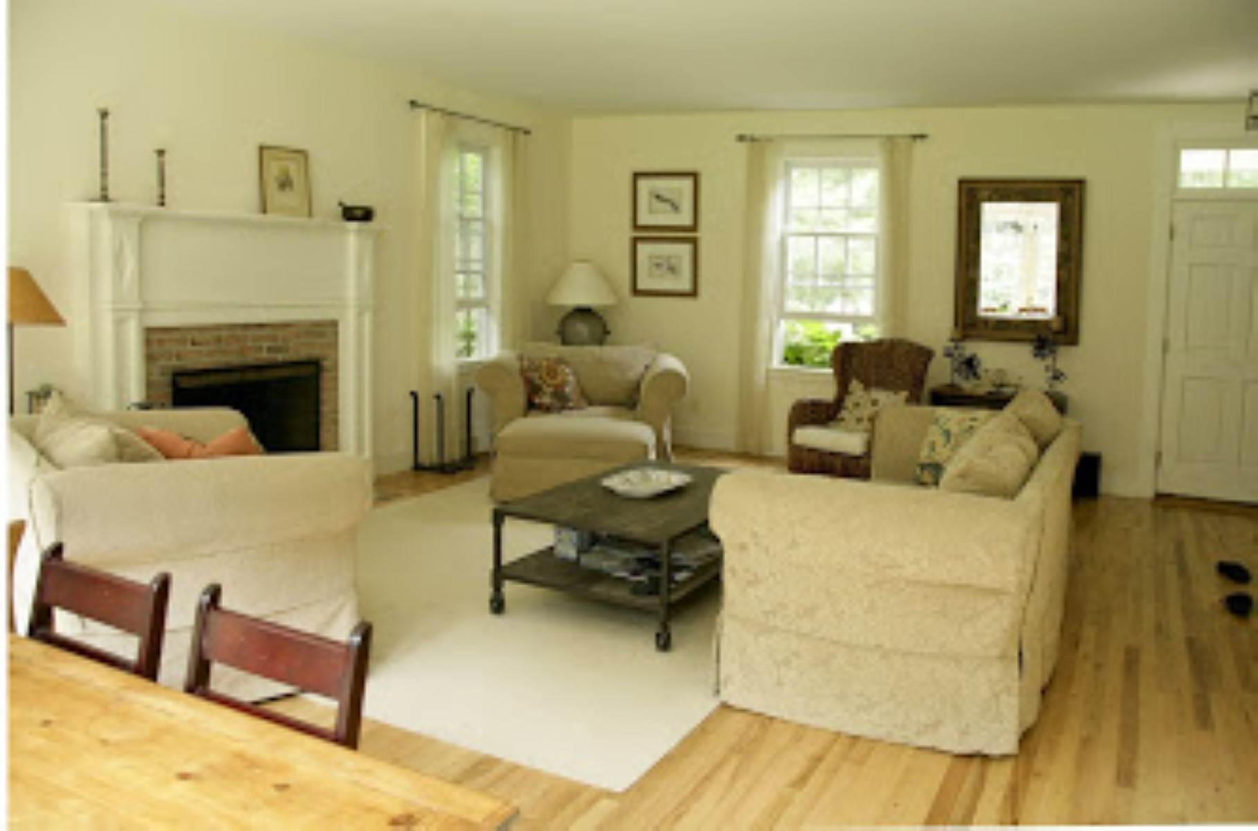 8. Single Family Home at Great Bridgehampton Neighborhood Bridgehampton, NY 11932