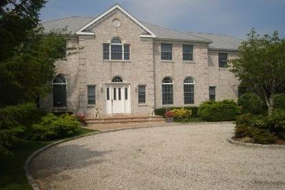 2. Single Family Home at Southampton Village South Rental With Pool & Tennis Southampton, NY 11968