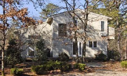 5. Single Family Home at Wainscott North Contemporary With Privacy Wainscott, NY 11975