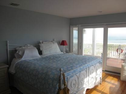 7. Single Family Home at Westhampton Dunes Beach House Rental - Waves, Waves, Waves Westhampton Dunes Village, NY 11978