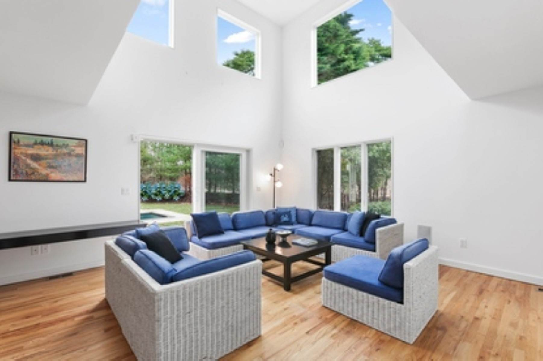 3. Single Family Home at East Hampton Contemporary East Hampton, NY 11937