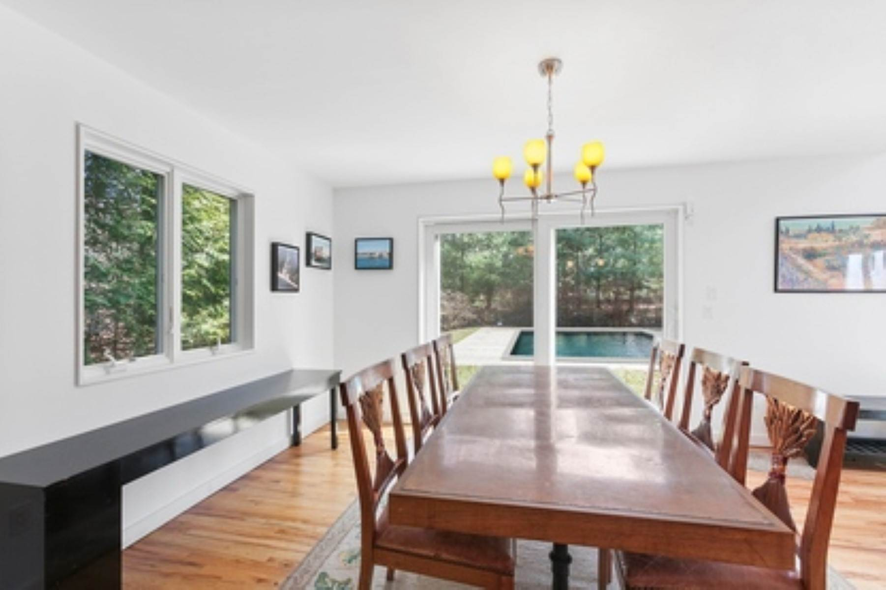 4. Single Family Home at East Hampton Contemporary East Hampton, NY 11937