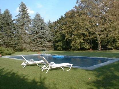19. Single Family Home at Bridgehampton South With Heated Pool August 2 Weeks Bridgehampton, NY 11932