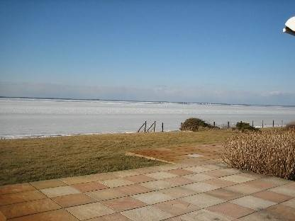 5. Single Family Home at Southampton Waterfront With Private Beach! Southampton, NY 11963