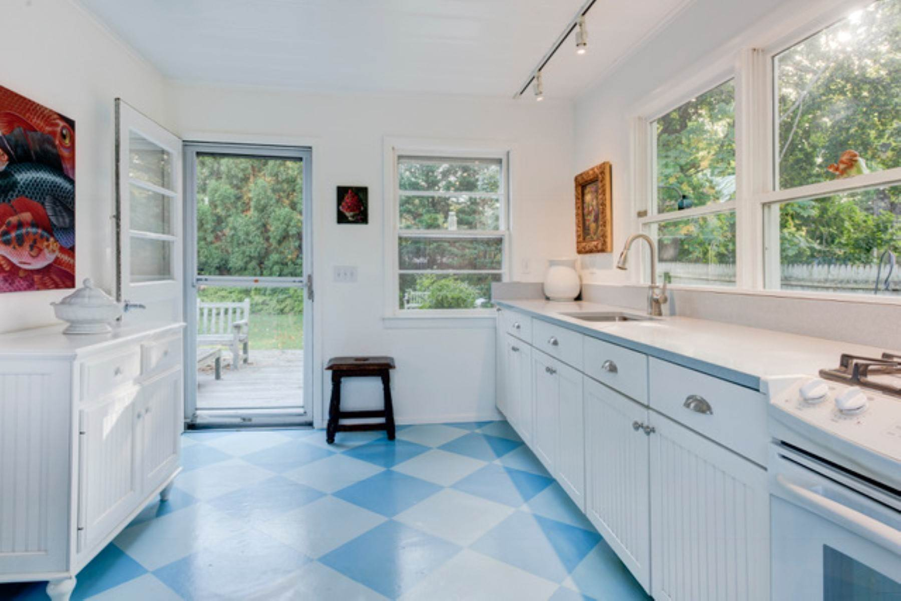 5. Single Family Home at Sag Harbor Cottage Sag Harbor, NY 11963