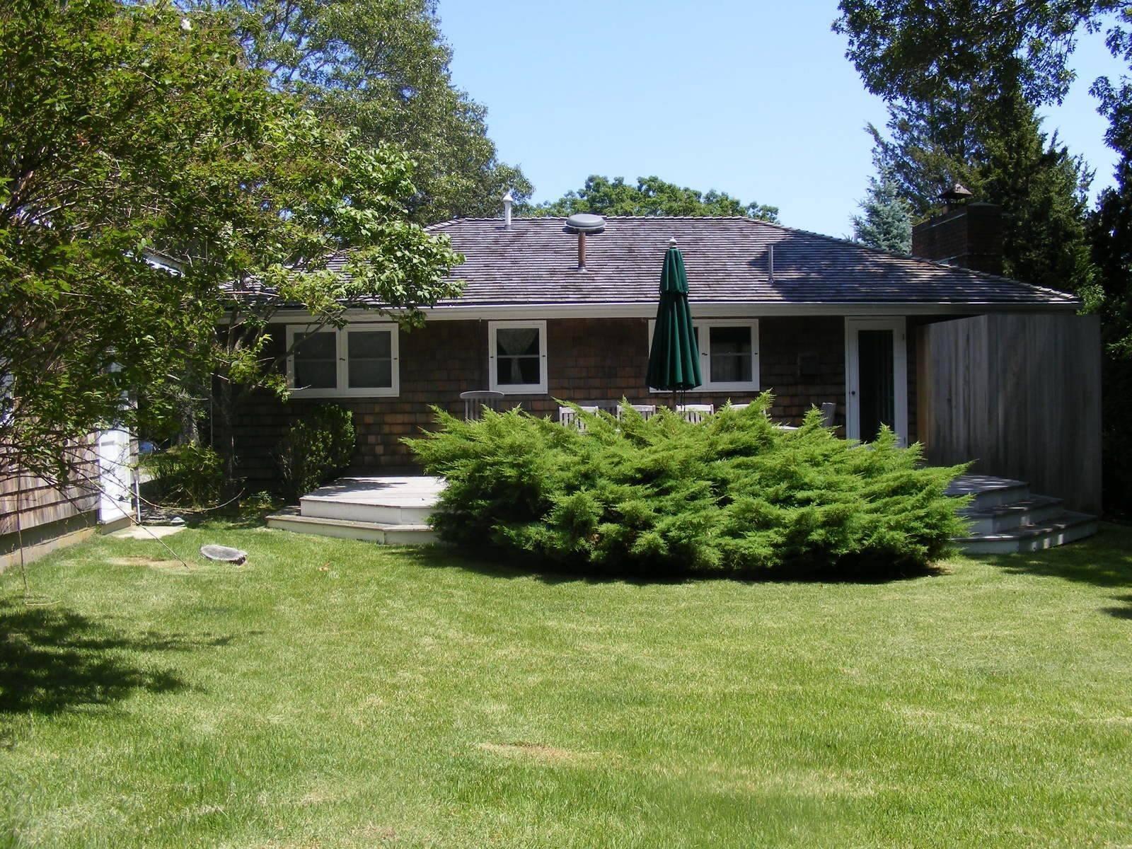 2. Single Family Home at Steps To The Beach East Hampton, NY 11937