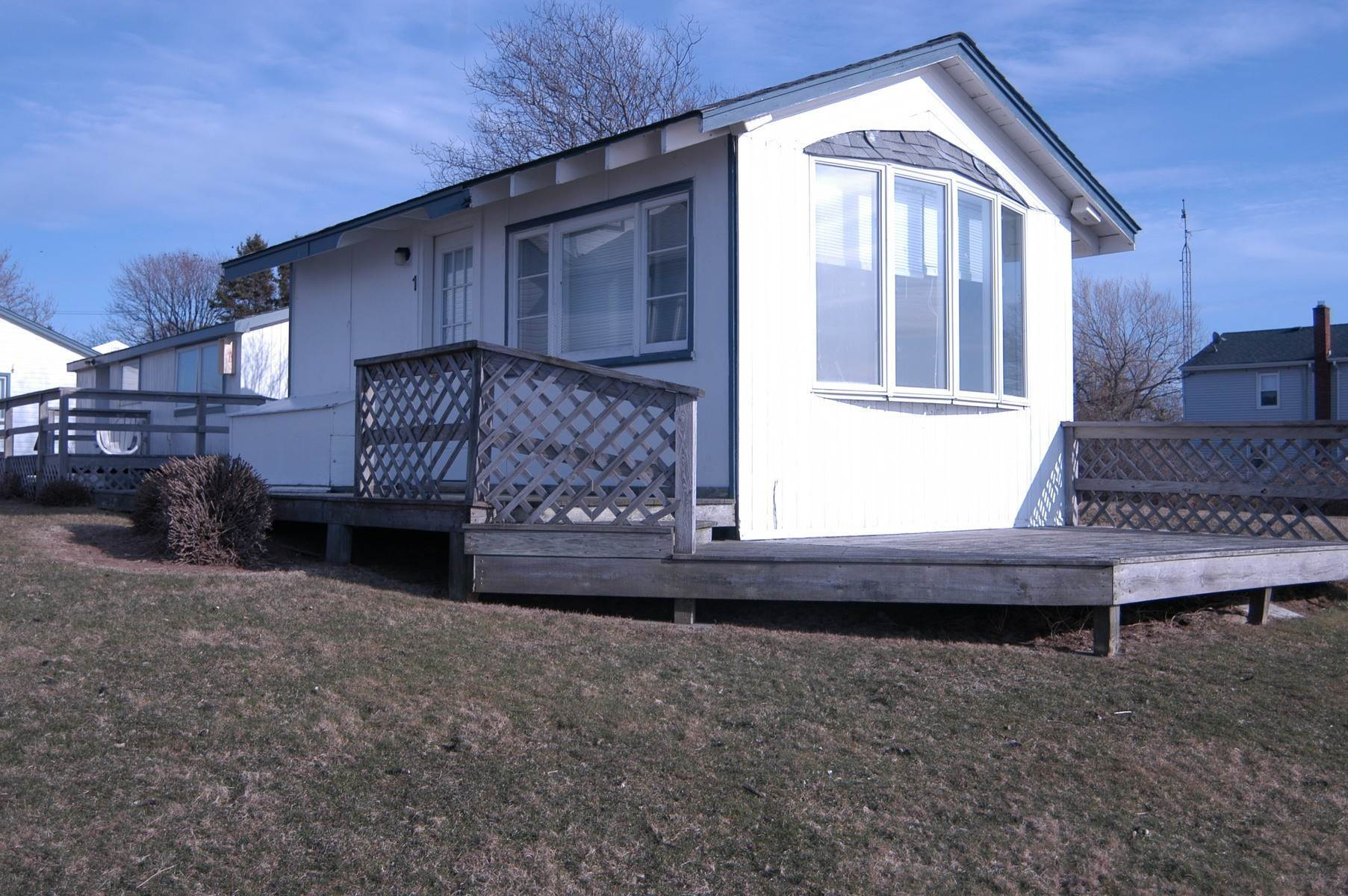 2. Co-op Properties at Montauk Lakefront Rental Cottage With Marvelous Sunsets! Montauk, NY 11954
