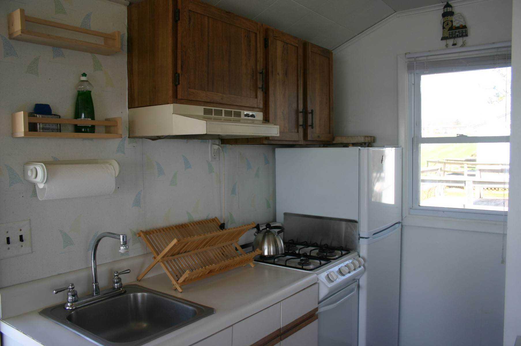 4. Co-op Properties at Montauk Lakefront Rental Cottage With Marvelous Sunsets! Montauk, NY 11954
