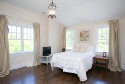 6. Single Family Home at Gorgeous Gambrel Southampton North - 8 En Suite Bedrooms Southampton, NY 11968
