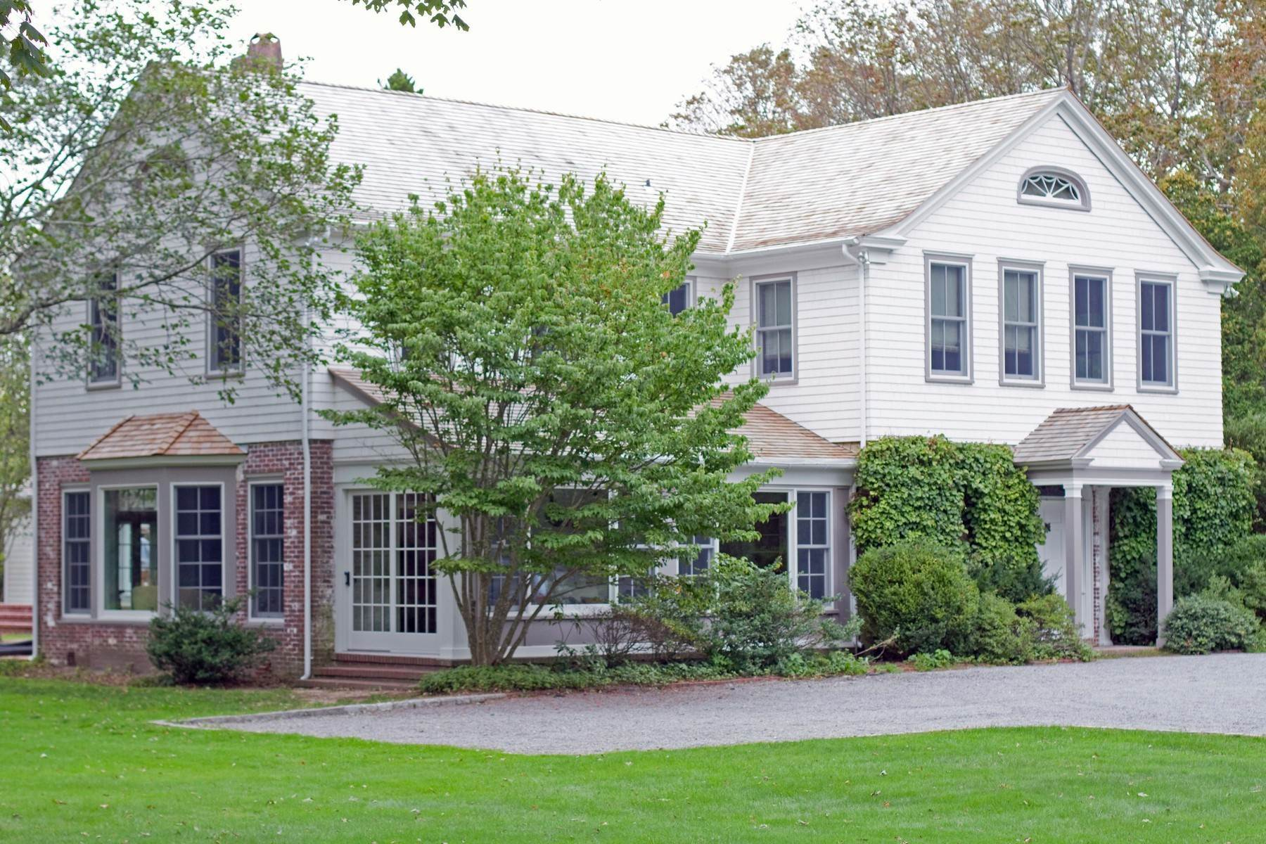 Single Family Home at Water Mill South. Close Ocean Beaches Water Mill, NY 11976