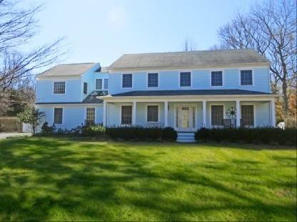 2. Single Family Home at Tastefully Appointed East Hampton Home East Hampton, NY 11937