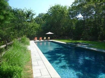 19. Single Family Home at Tastefully Appointed East Hampton Home East Hampton, NY 11937