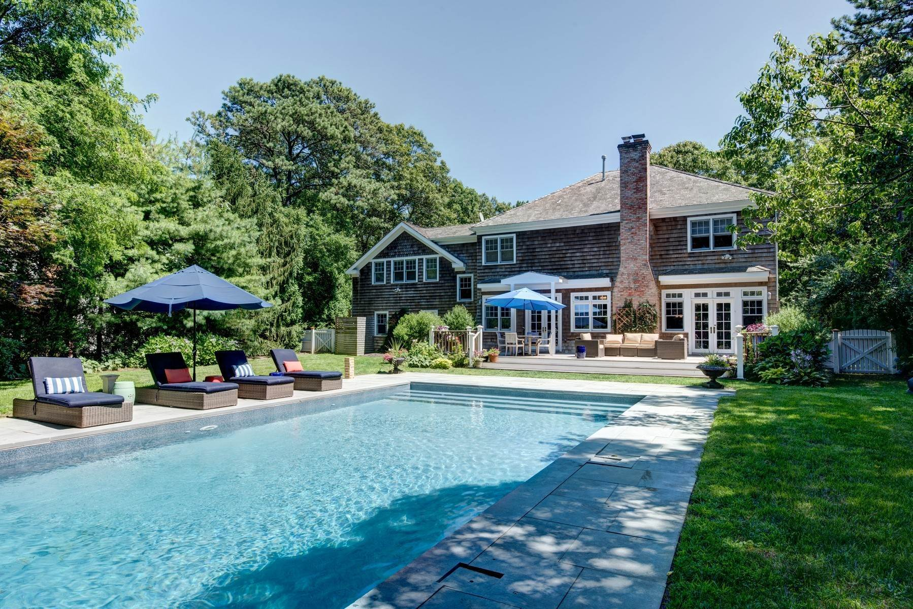 23. Single Family Home at Rental Near East Hampton & Sag Harbor Villages East Hampton, NY 11937