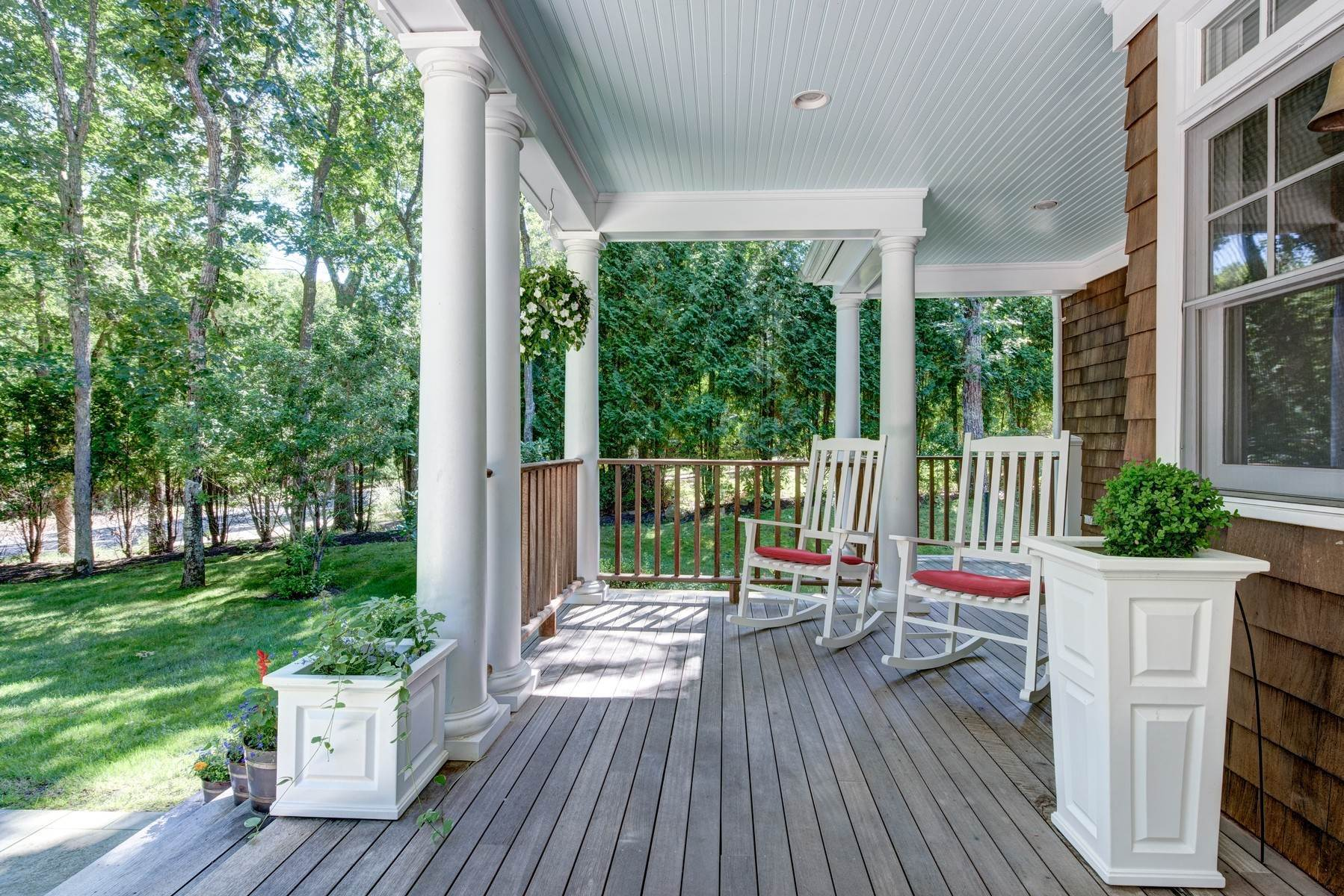 7. Single Family Home at Rental Near East Hampton & Sag Harbor Villages East Hampton, NY 11937